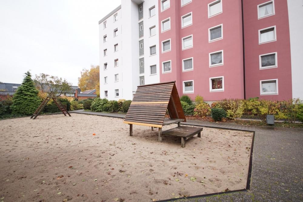 Spielplatz/Rückseite