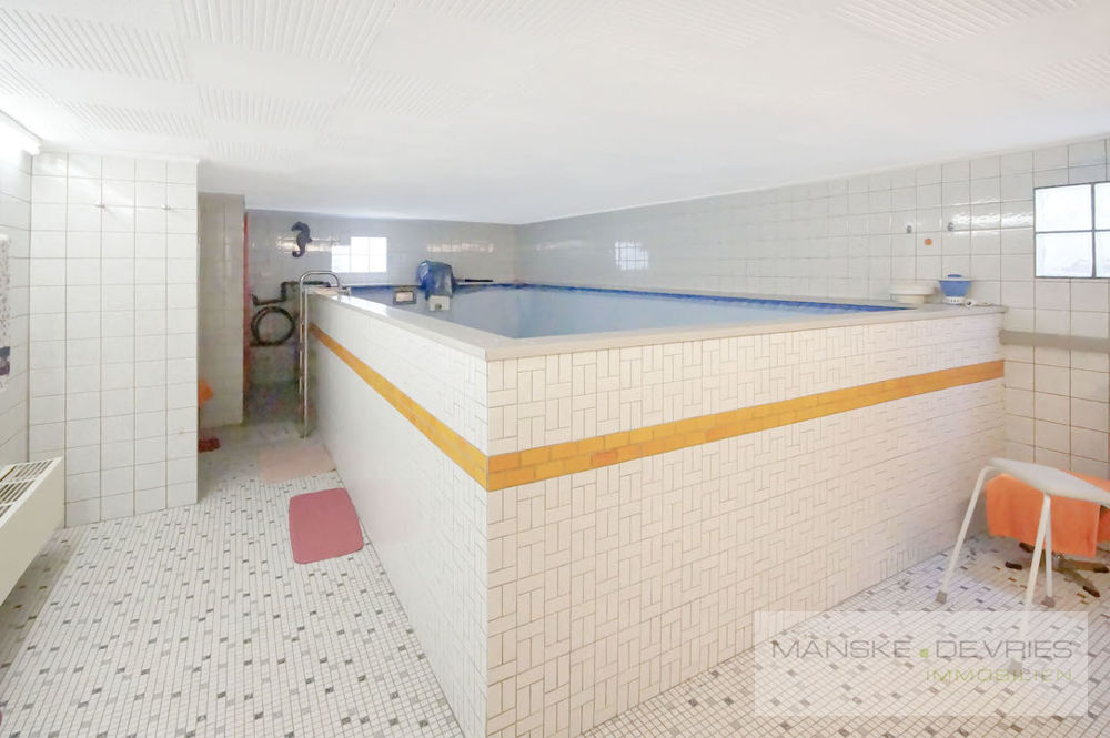 Schwimmbad im Keller